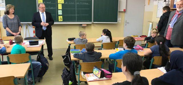 Schulräume stehen zur Verfügung – was fehlt, sind Lehrer